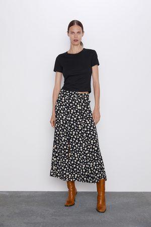 Zara Rok met madeliefjesprint
