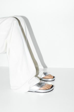 Zara Gewatteerde platte sandalen in metallic look