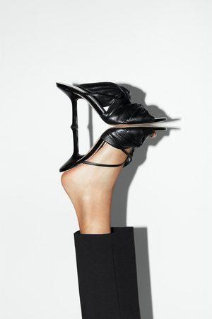 Zara Leren sandalen met hak en geplooid detail