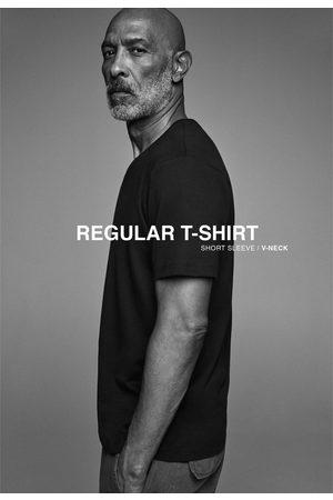 Zara Basic t-shirt met v-hals