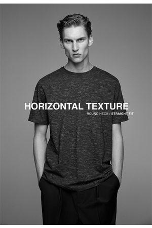 Zara T-shirt met horizontale structuur