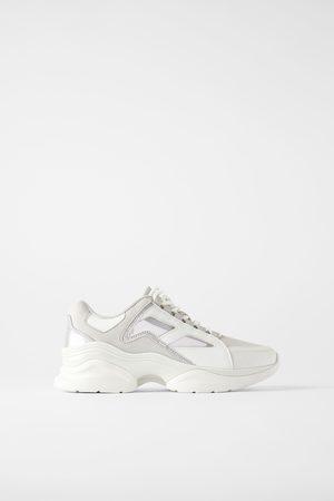 Zara Sneakers met netstof en glans