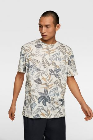 Zara T-shirt met bloemenprint