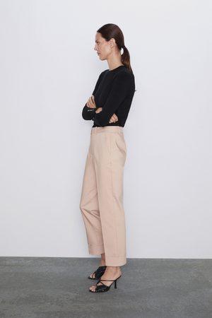Zara Broek met omgeslagen pijpen