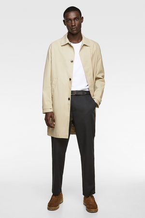 Zara Trenchcoat traveler