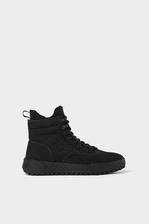 Zara Zwarte stoffen high-top sneakers in trekkingstijl