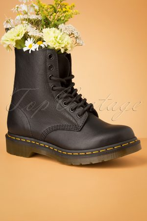 Dr. Martens 1460 Virginia Ankle Boots in Black