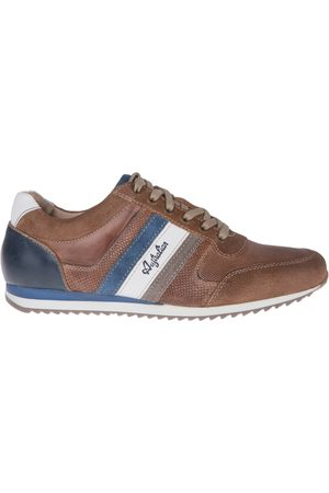 Australian Footwear Cornwall