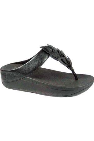 FitFlop TM Fino Leaf Toe Thongs