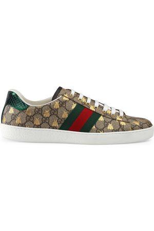 Gucci Men's Ace GG Supreme bees sneaker