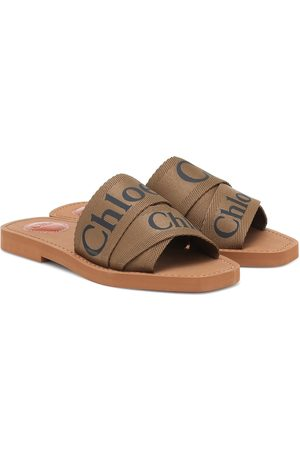 Chloé Woody logo canvas slides