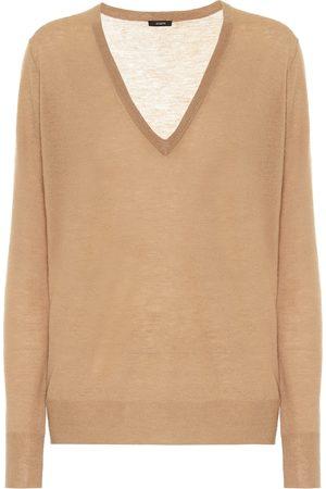 Joseph Dames Sweaters - Cashair cashmere V-neck sweater