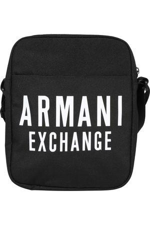 Armani Schoudertas