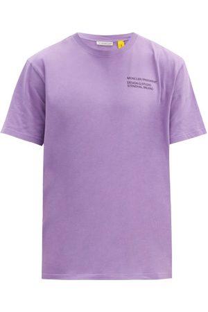 7 MONCLER FRAGMENT Heren Shirts - Staff-print Cotton-jersey T-shirt - Mens - Purple