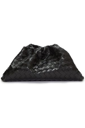 Bottega Veneta Dames Clutches - The Pouch Intrecciato Leather Clutch - Womens - Black