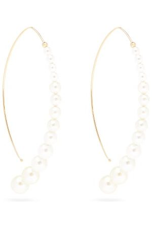 Mizuki Dames Oorbellen - Graduated Pearl & 14kt Gold Curved Drop Earrings - Womens - Pearl