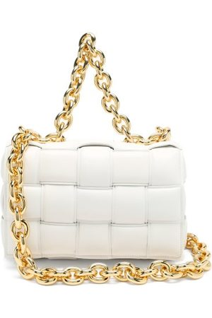 Bottega Veneta Dames Schoudertassen - The Chain Cassette Intrecciato-leather Bag - Womens - White Gold