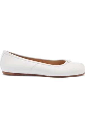 Maison Margiela Tabi Split-toe Leather Ballet Flats - Womens - Cream