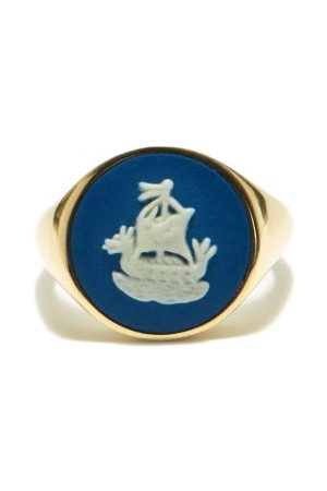 Ferian Sailboat Wedgwood Cameo & 9kt Gold Signet Ring - Womens - Blue White
