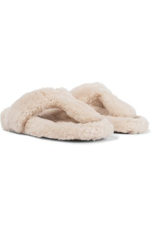 Aquazzura Relax Flat Footbed shearling slides