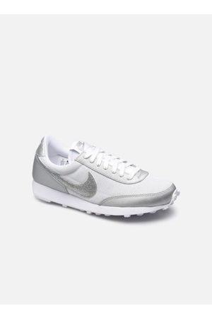 Nike Wmns Dbreak by