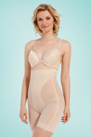 MAGIC Bodyfashion DSIRED Scallop Sheer High Bermuda in Latte