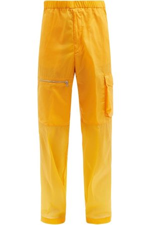 Moncler Heren Cargo's - 1952 - Panelled Shell Cargo Trousers - Mens - Orange