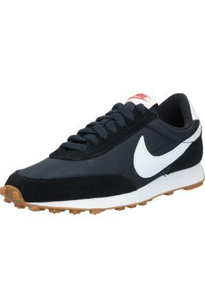 Nike Sportswear Sneakers laag 'Daybreak