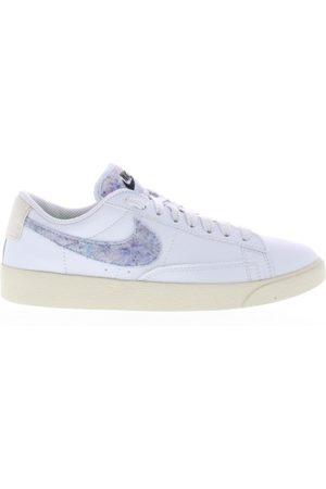Nike Dames Sneakers - R low se women's shoe