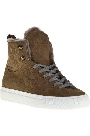 H32 Sneakers