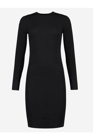 NIKKIE by Nikkie Plessen Zwarte aangesloten jurk 32 / black