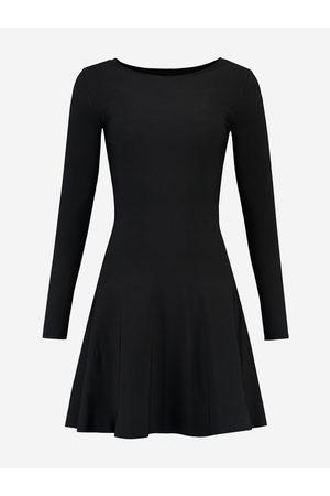 NIKKIE by Nikkie Plessen A-lijn jurk met lange mouwen 32 / black