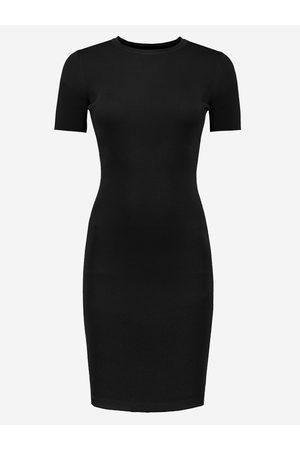 NIKKIE by Nikkie Plessen Aangesloten jurk met korte mouwen 32 / black
