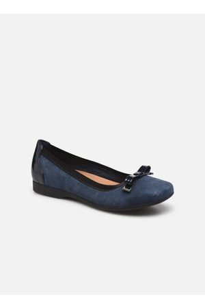 Clarks Un Darcey Bow by
