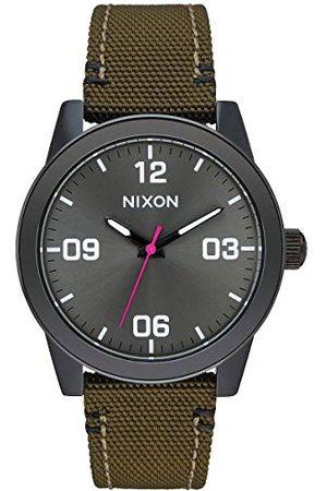 Nixon Dames analoog kwarts horloge met roestvrij staal gecoat armband A3991919-00