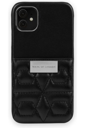 IDEAL OF SWEDEN Telefoon - Statement Case iPhone 11 Quilted Black - Mini Pocket