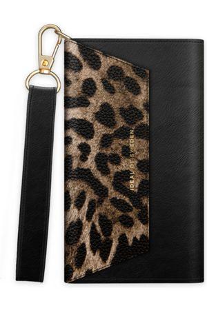 IDEAL OF SWEDEN Telefoon - Cassette Clutch iPhone 13 Mini Midnight Leopard