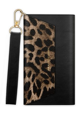 IDEAL OF SWEDEN Telefoon - Cassette Clutch iPhone 13 Pro Max Midnight Leopard
