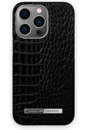 IDEAL OF SWEDEN Telefoon - Atelier Case iPhone 13 Pro Neo Noir Croco Silver